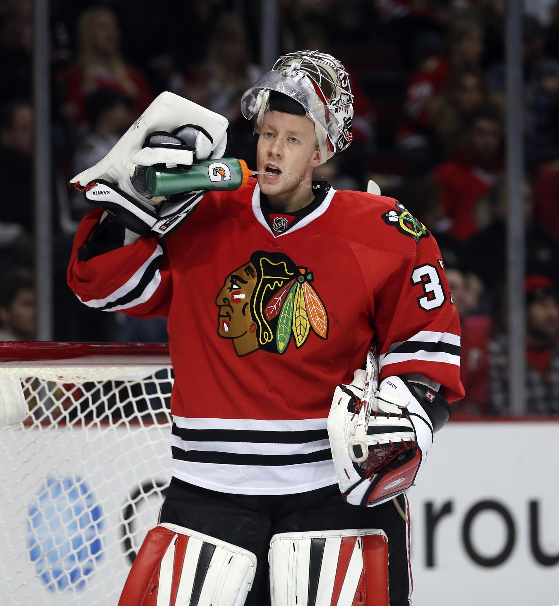 Chicago Blackhawks goalie Antti Raanta (31), during his team's game against the Los Angeles Kings, at the United Center.