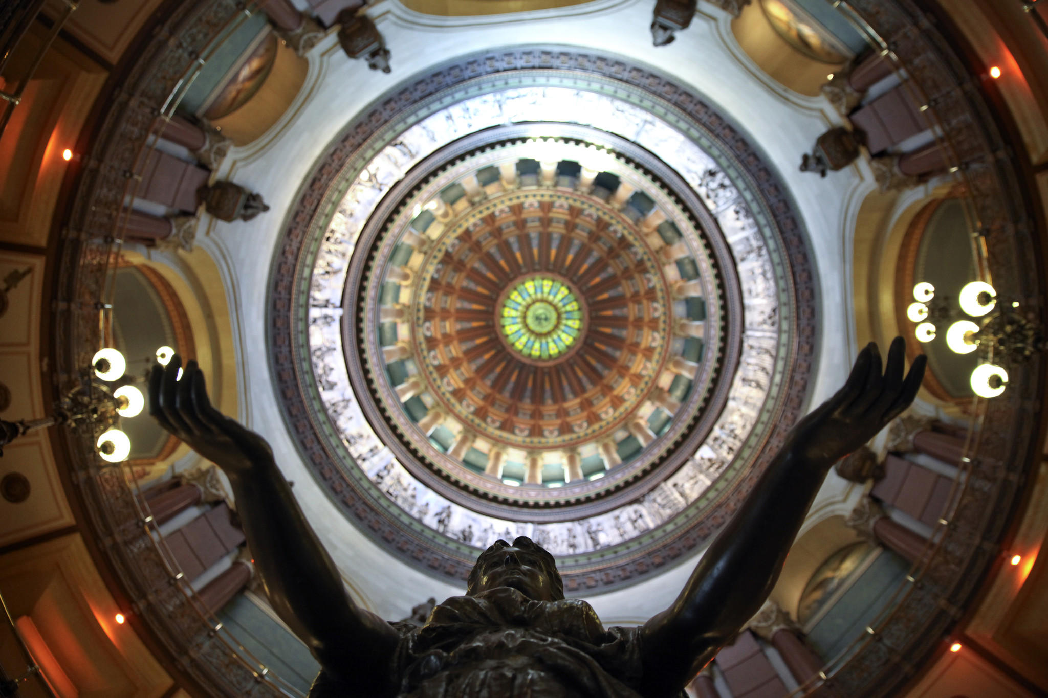 The ornate domed ceiling at the Illinois State Capitol.