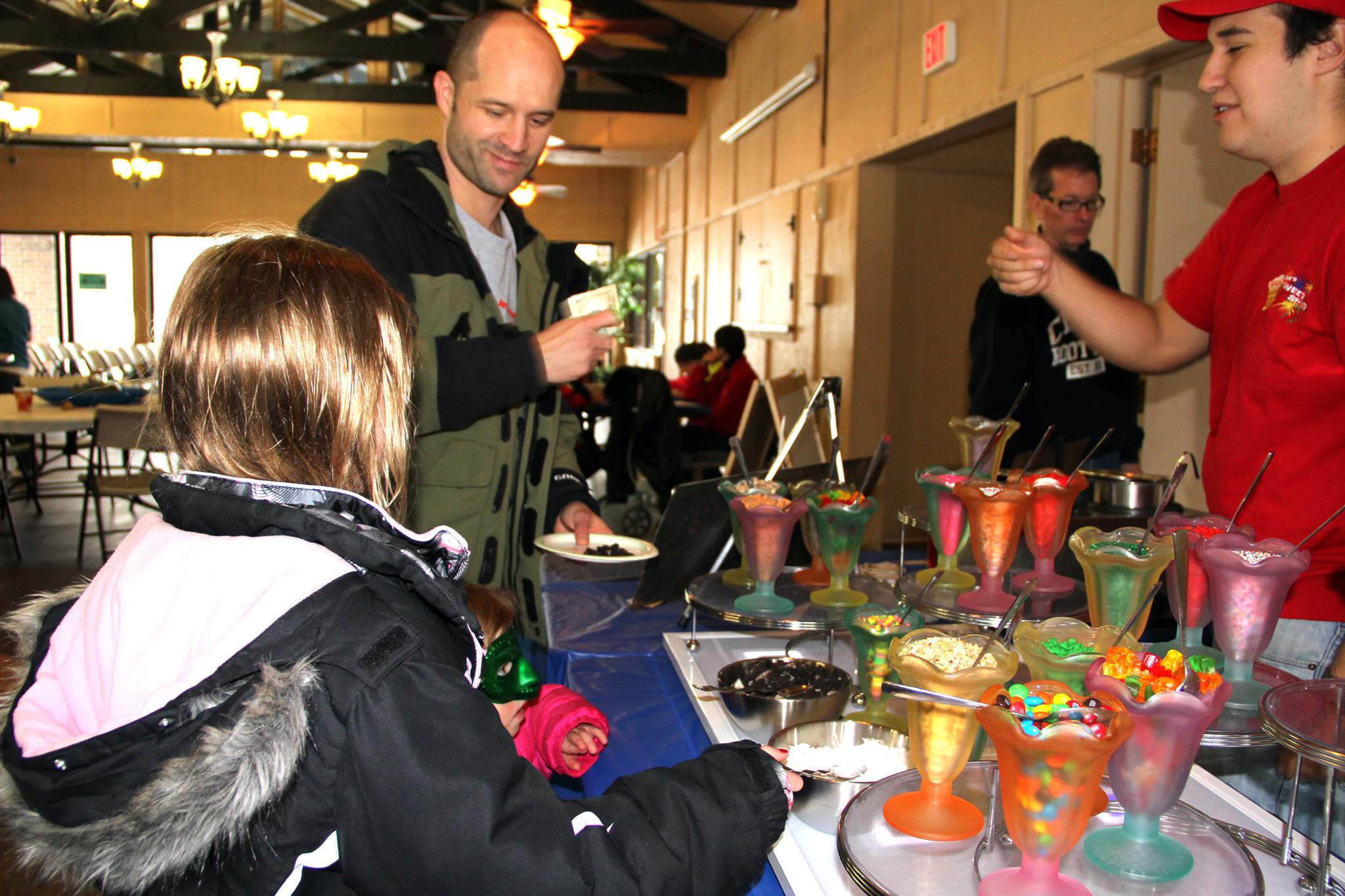 Oak brook community celebrates 51st winterfest the for Table 52 oak brook