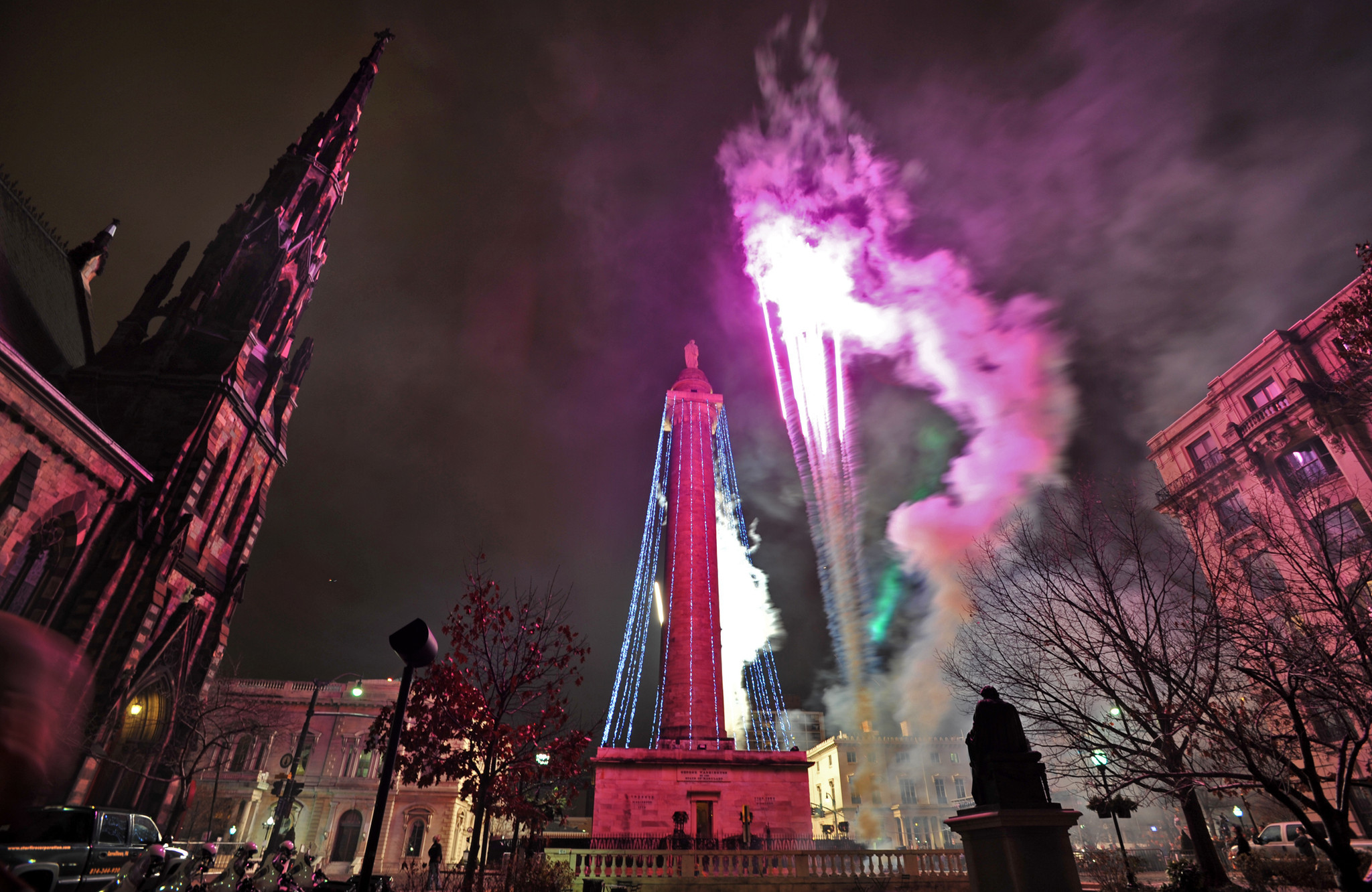 Pictures: Holiday lights from around the globe - 2013 Washington Monument lighting