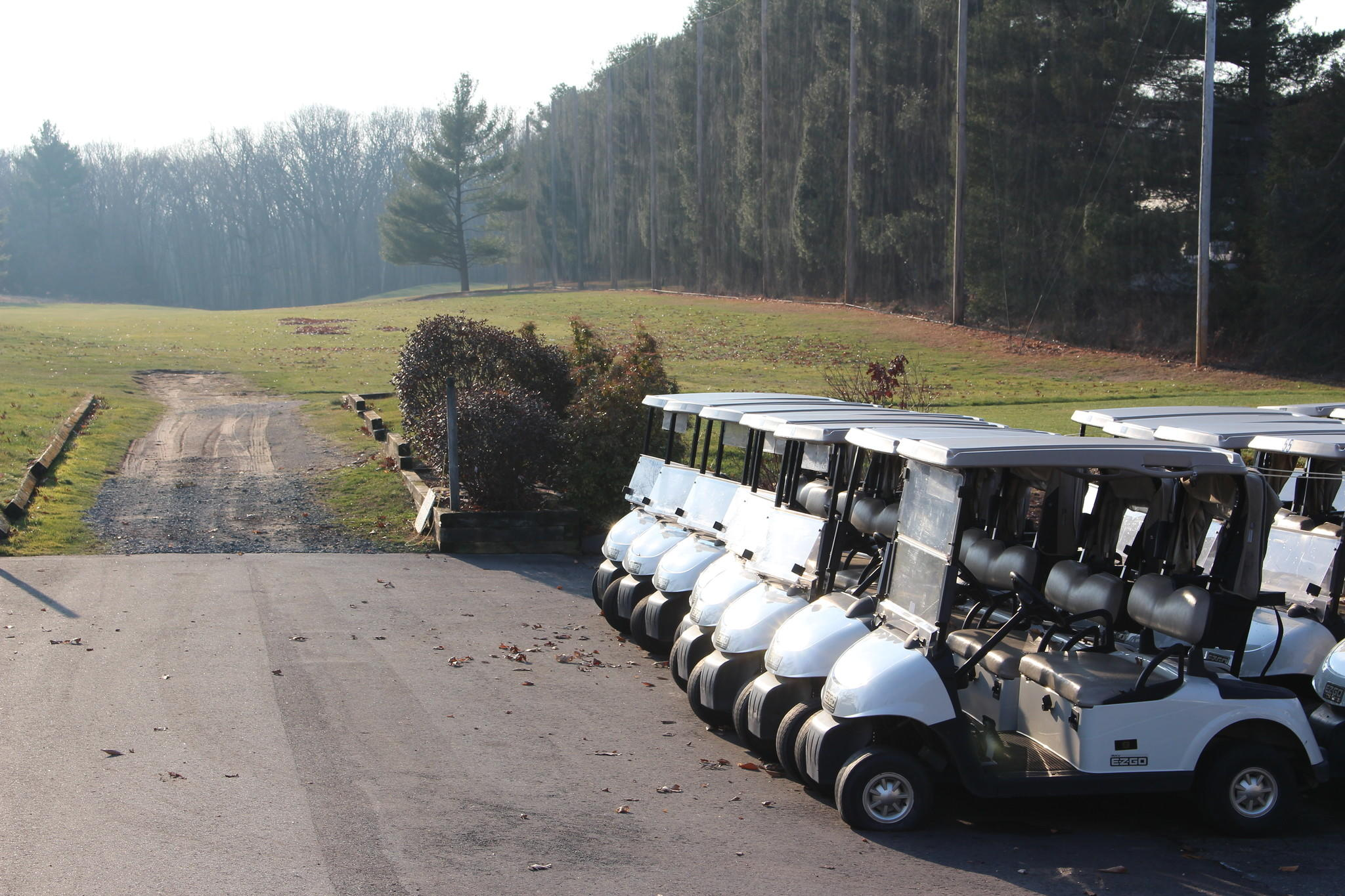 Should the town own and run the Minnechaug Golf Course? That question may be answered tonight.