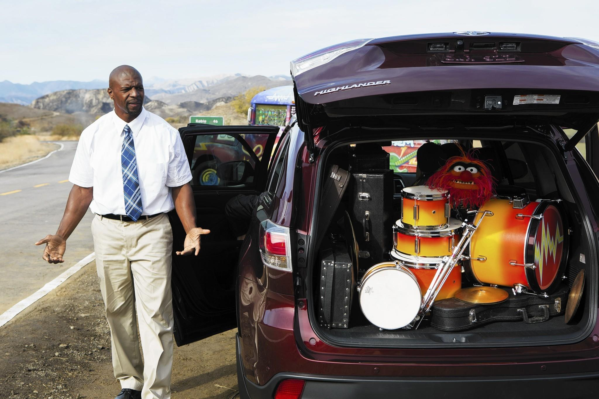 Actor terry crews and the muppets shoot toyota s 2014 highlander commercial that will air during the