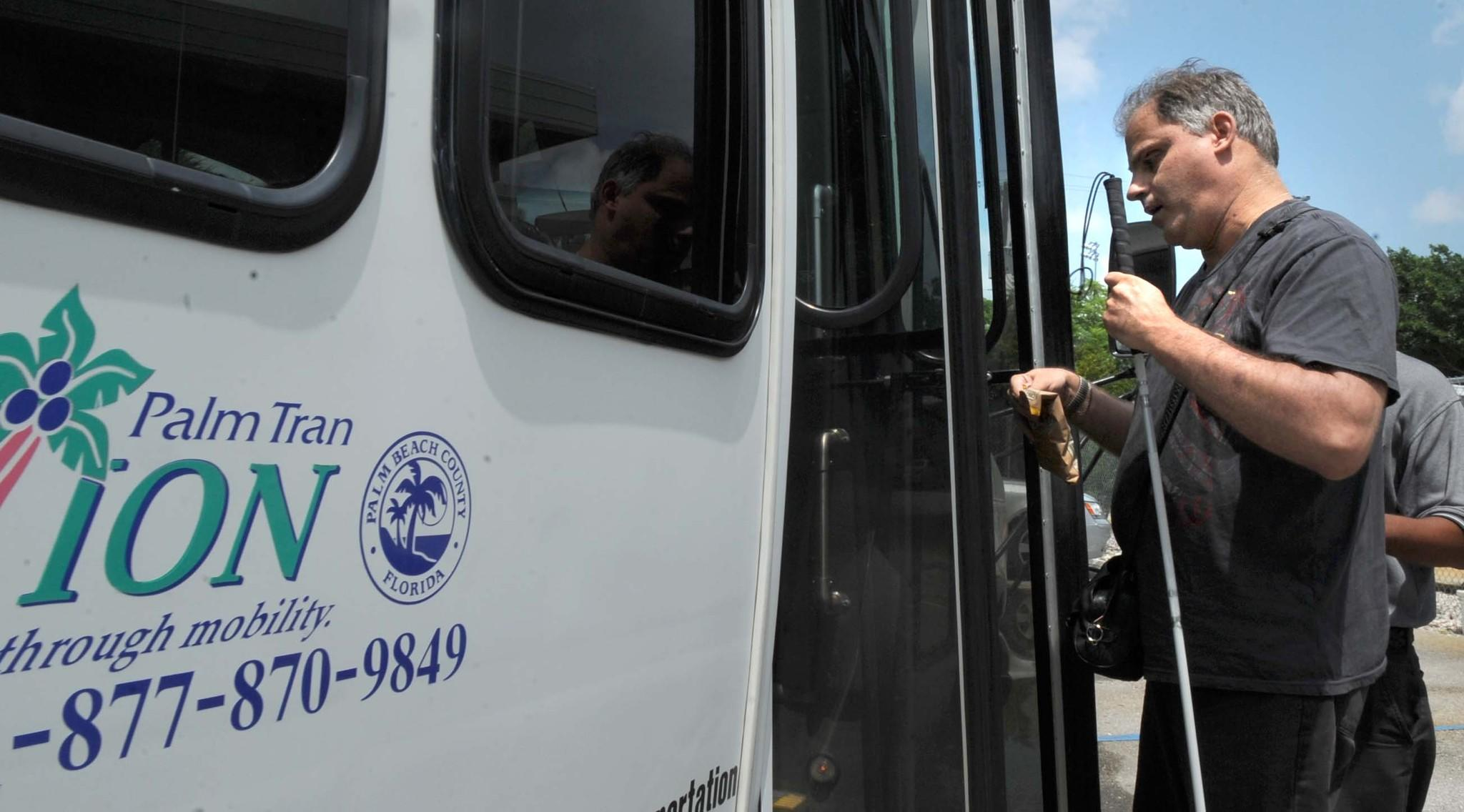 Palm Beach County commissioners are considering adding a minimum pay requirement for the outsourced drivers at Palm Tran Connection, the county's door-to-door busing service for the disabled and elderly.