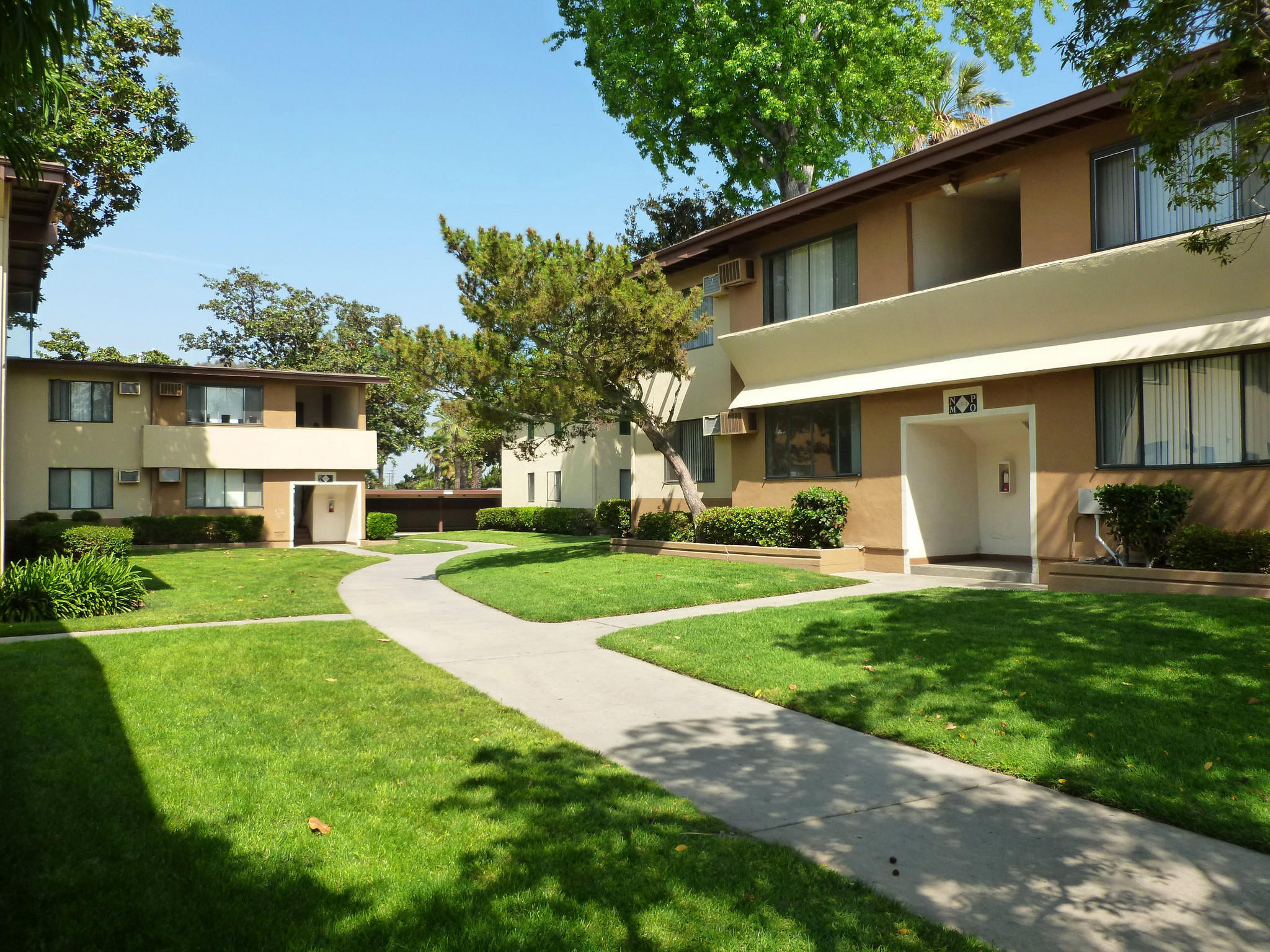 lehman bros. sells west covina apartment complex for $29.4 million