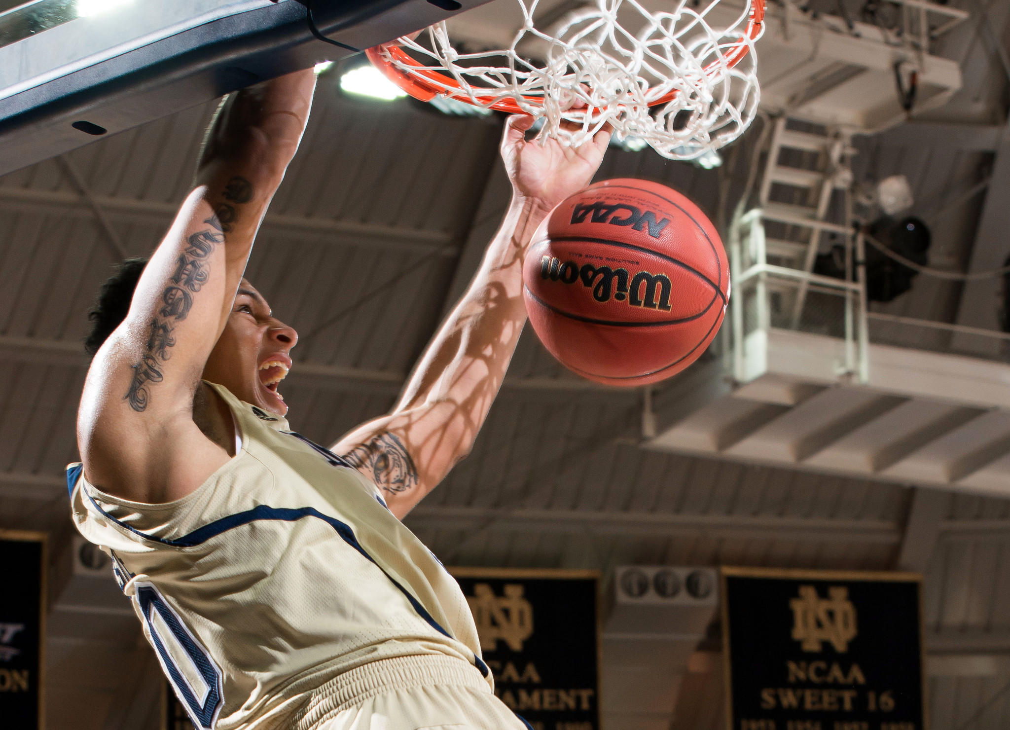 Notre Dame's Zach Auguste dunks in the first half against North Carolina State.