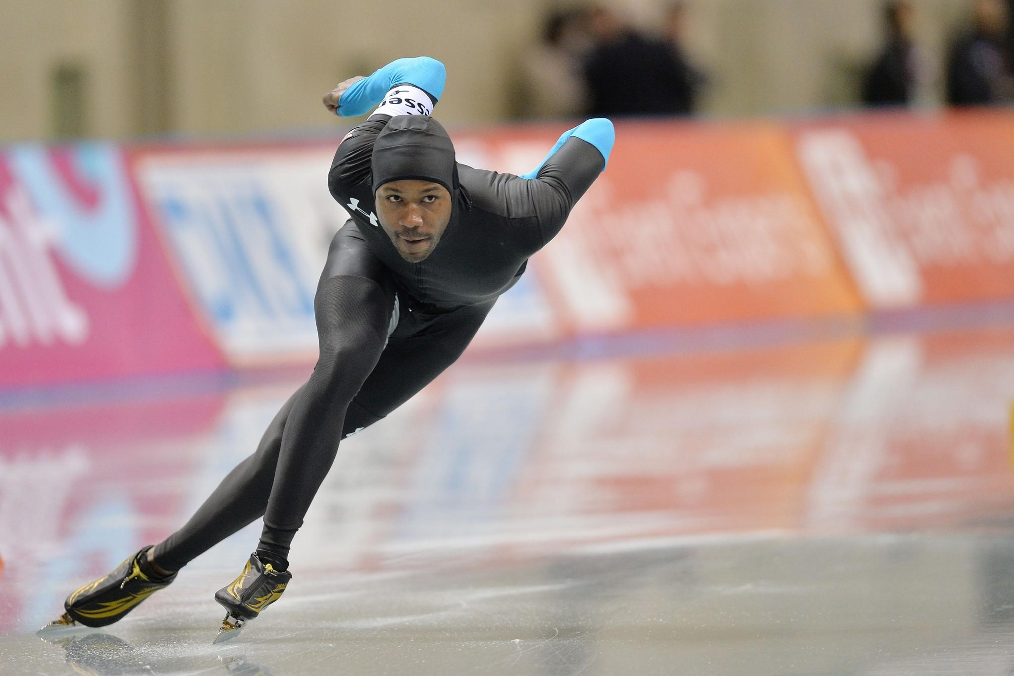 Shani Davis competes during Essent ISU World Sprint Speed Skating Championships.