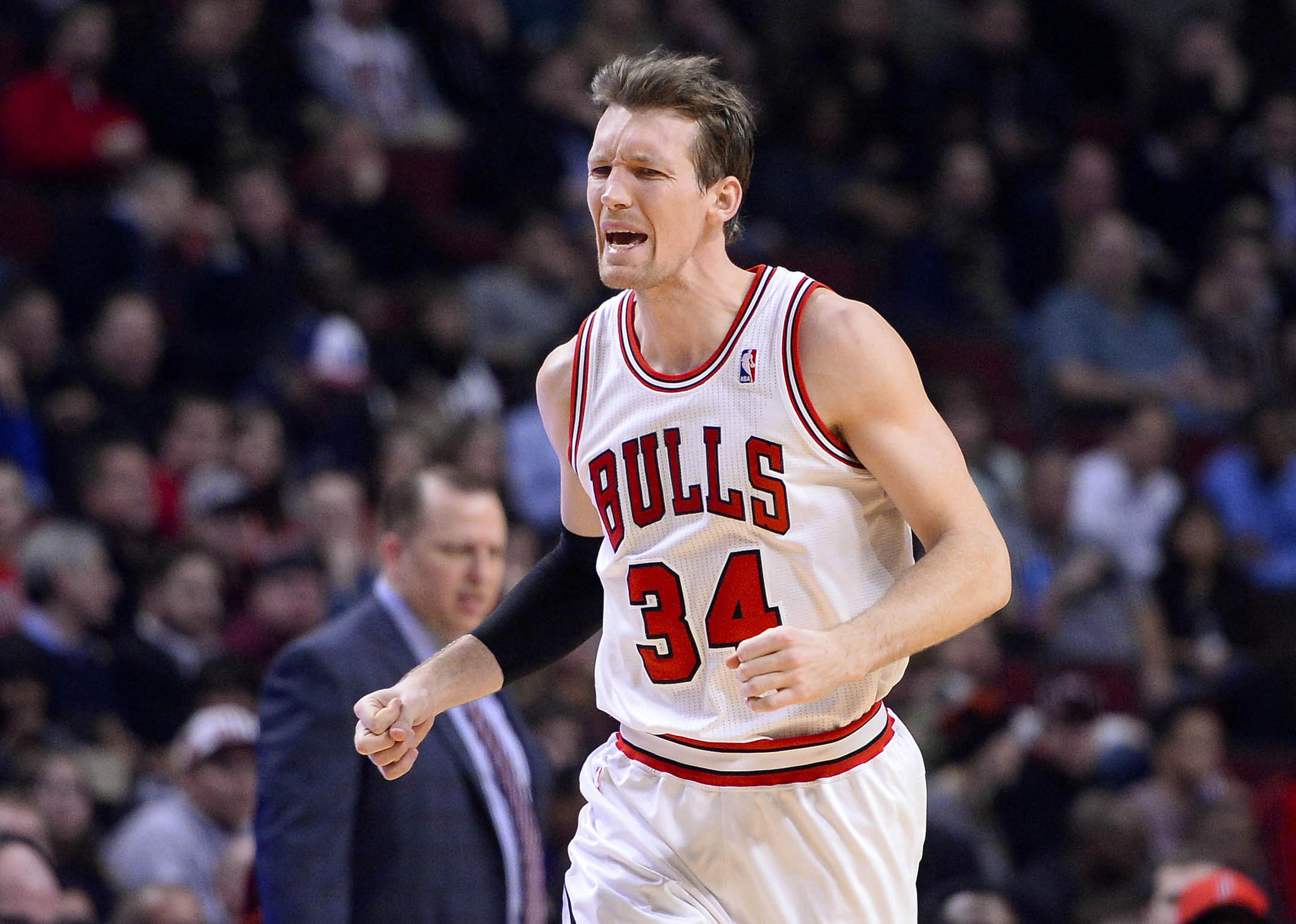 Chicago Bulls small forward Mike Dunleavy (34) reacts after a foul call against the Washington Wizards during the first half at United Center.