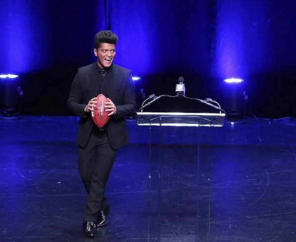 Super Bowl Halftime performer Bruno Mars at a news conference in New York Jan. 30, 2014.