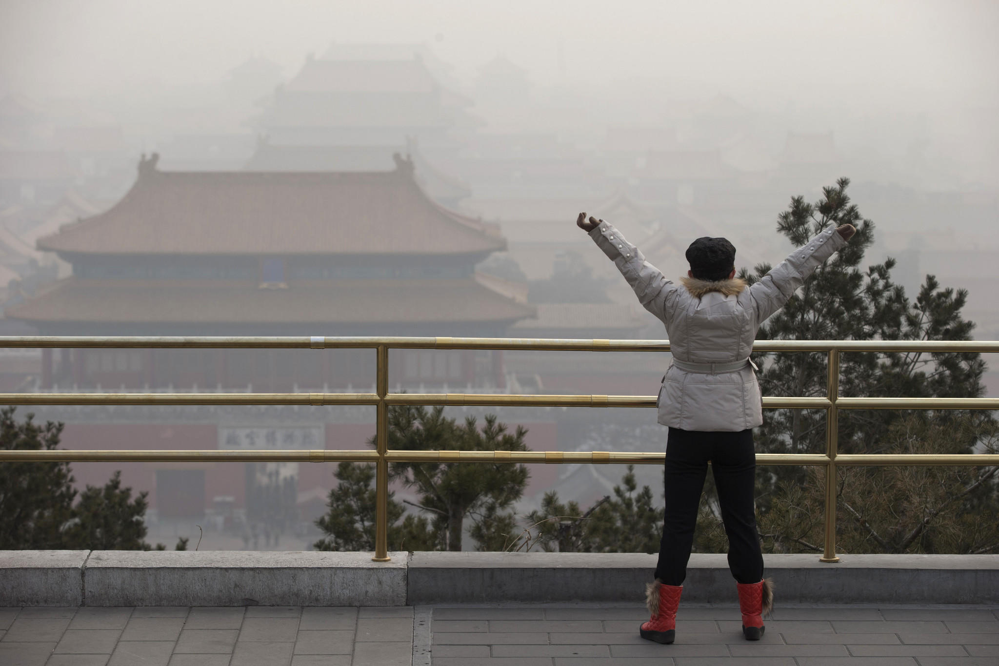 a discussion on the issue of pollution in beijing china The health implications of beijing's latest and greatest pollution spike and china's long-term air quality issues have not been lost on local residents or the medical community.