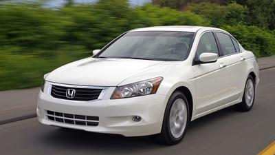NHTSA investigates reports of sudden Honda Accord airbag deployment