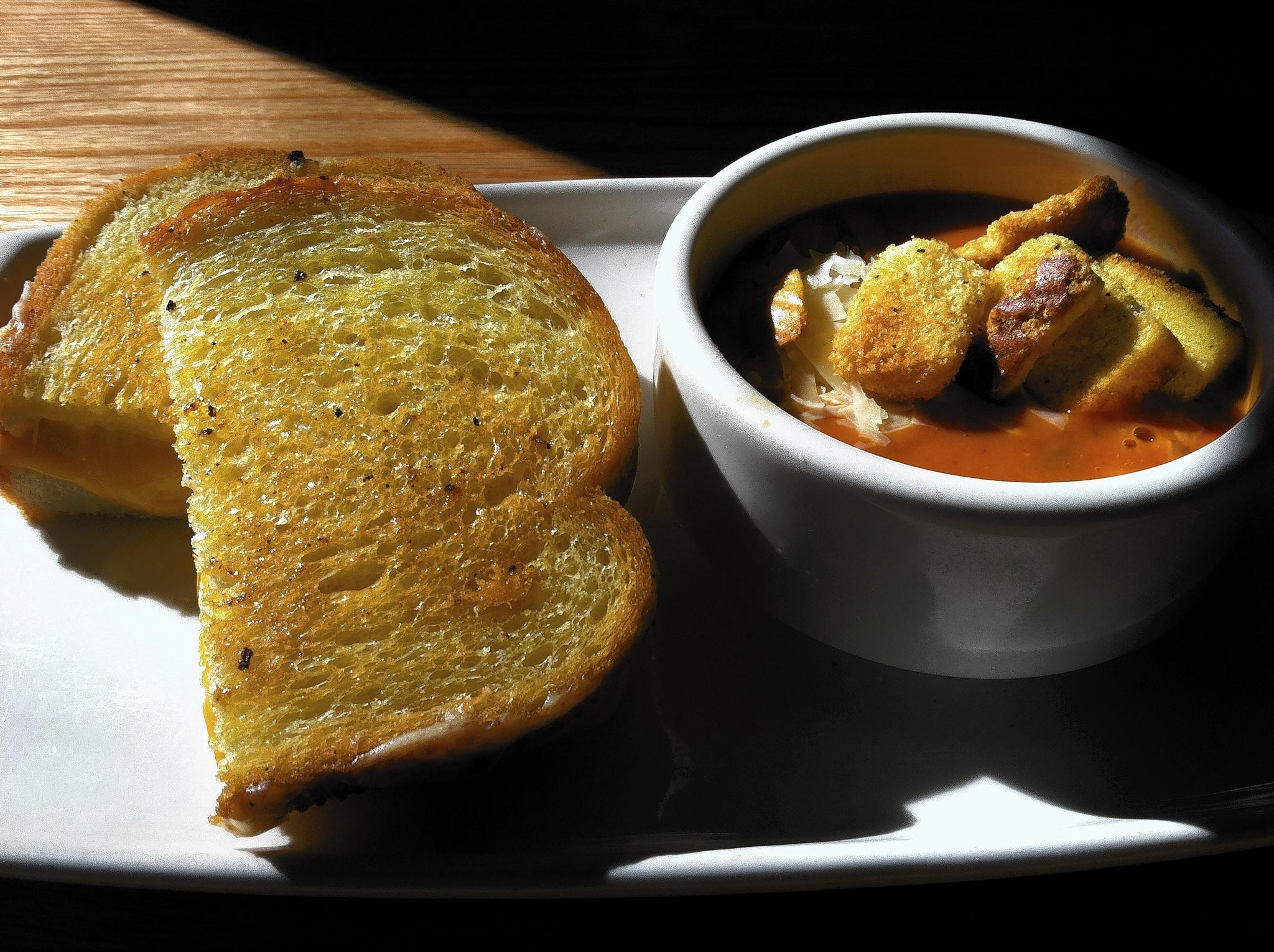 Food Find: Four-Cheese Grille and Tomato-Basil Soup at Applebee's