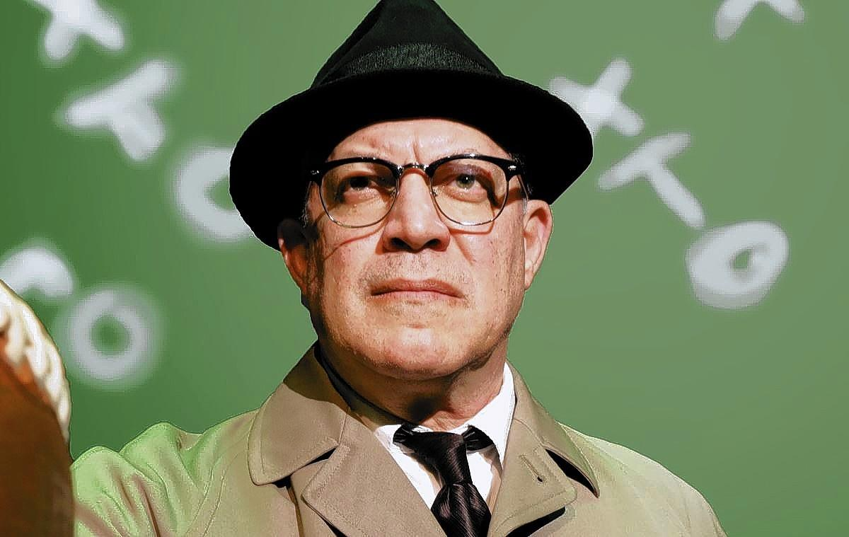 "Dan Pona plays the legendary football coach Vince Lombardi in the Bay Street Players' Second Stage production of ""Lombardi."""