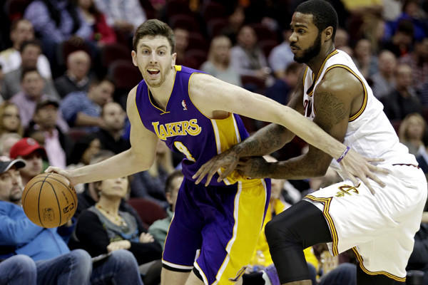 Ryan Kelly, Earl Clark