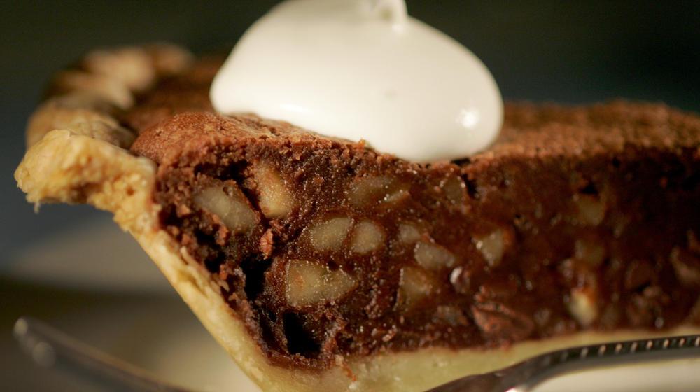 Rum-walnut chocolate-chip pie