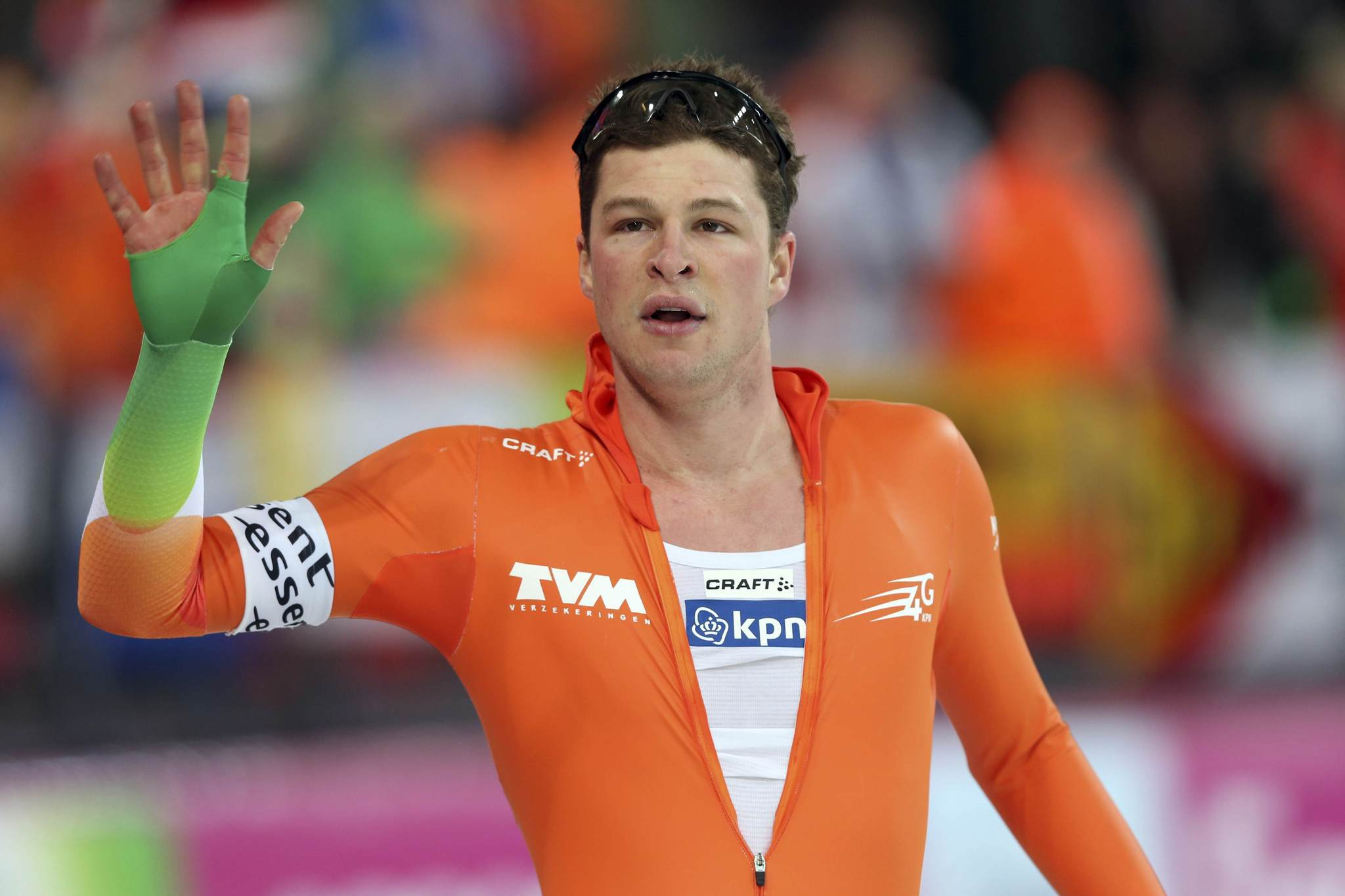 Sven Kramer of the Netherlands waves to the crowd at the World Speedskating Championships. (Hakon Mosvold Larsen/Reuters Photo)