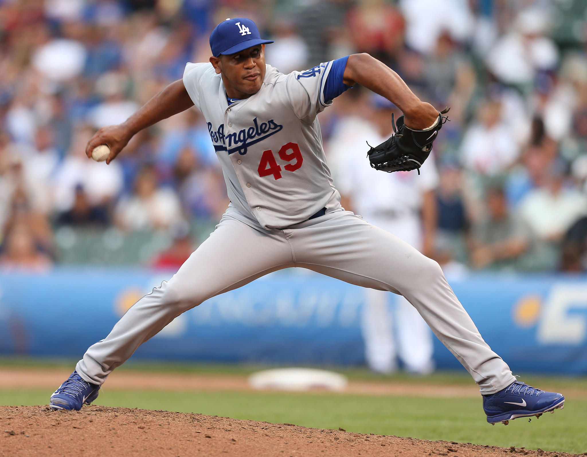 Former Cubs closer Carlos Marmol reportedly will sign with the Marlins.