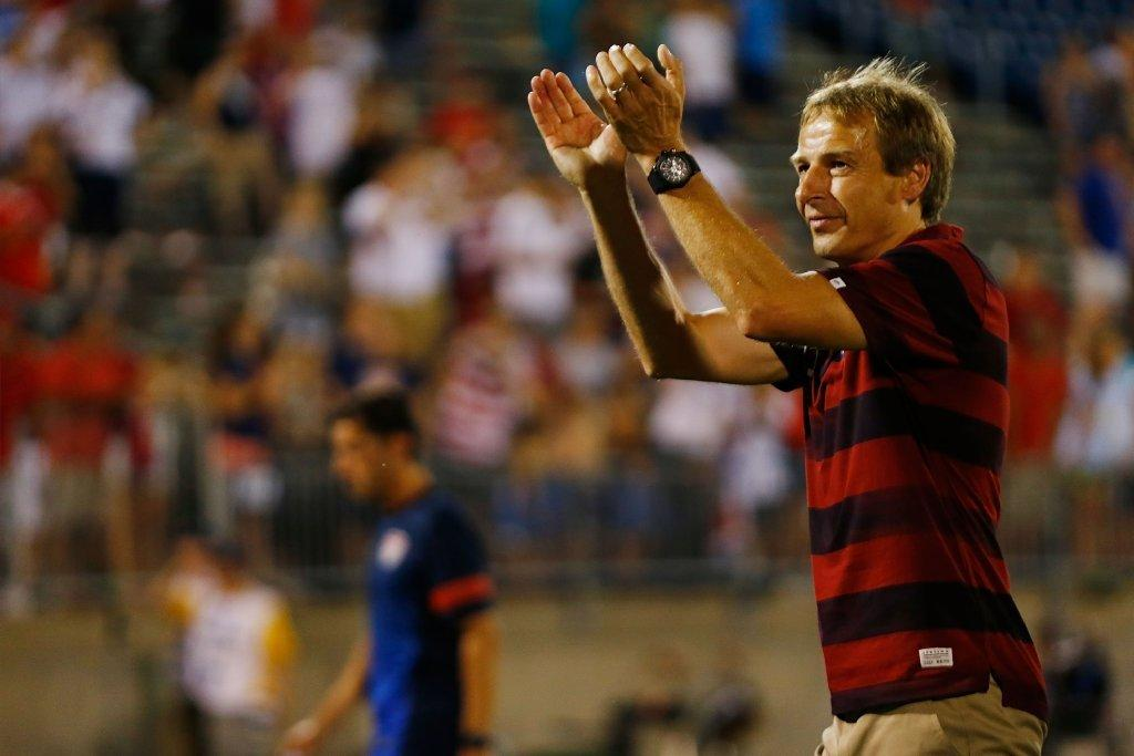 Jurgen Klinsmann thanks fans following the United States soccer team's 1-0 win over Costa Rica.