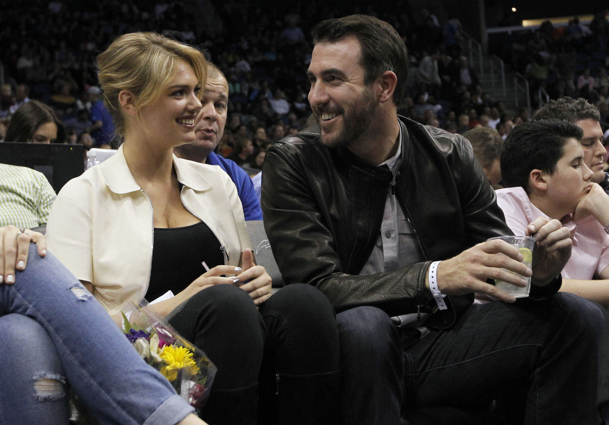 Kate Upton Is Engaged to Justin Verlander: Model Shows Stunning ...