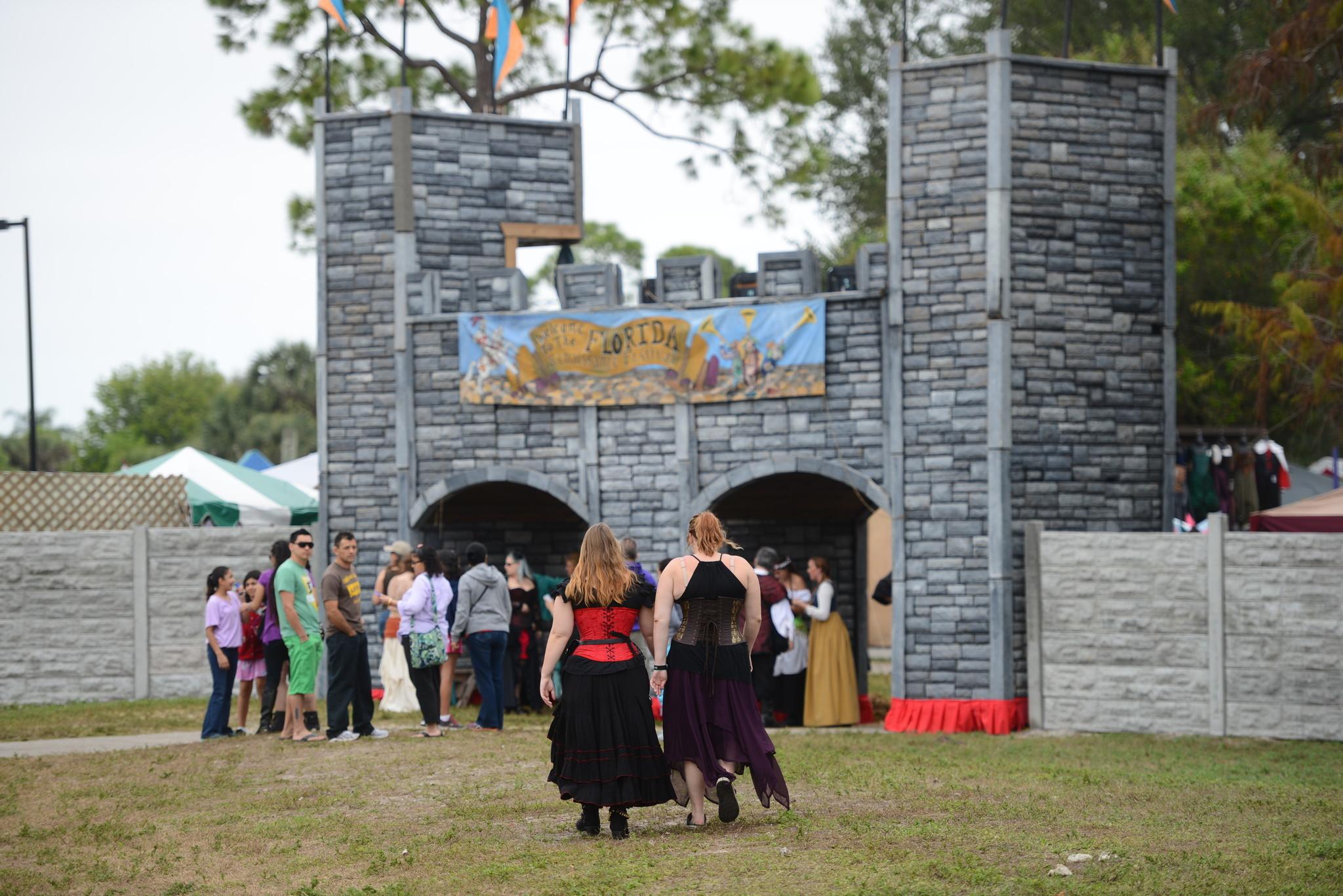 Renaissance Festival photos - Castle Wall