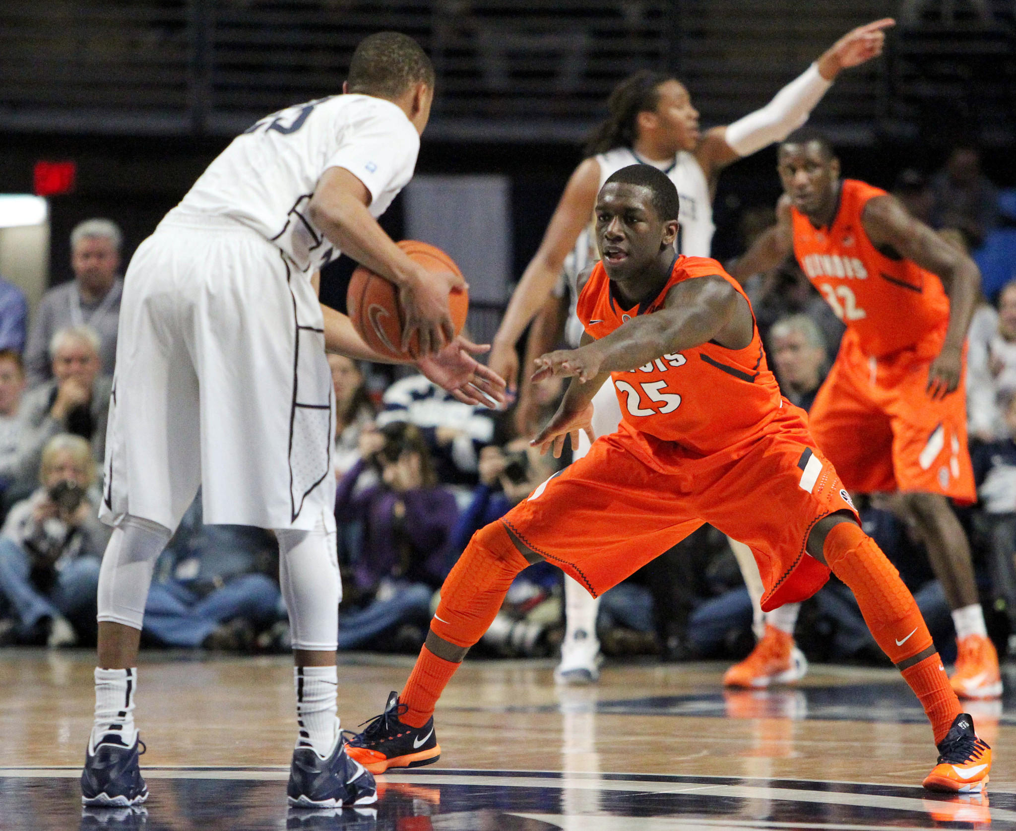 Kendrick Nunn guards Penn State's Tim Frazier during the second half.