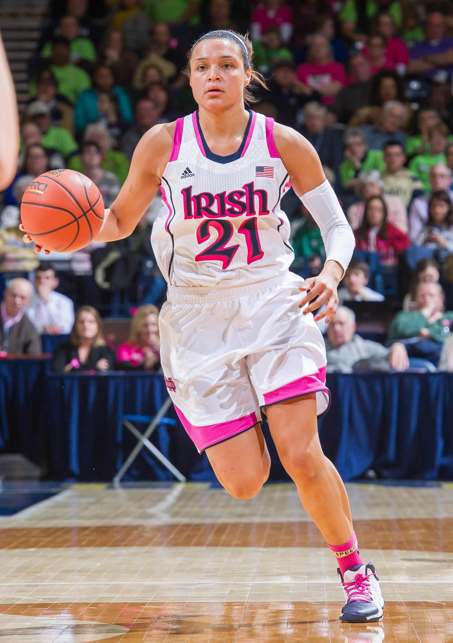 Notre Dame's Kayla McBride dribbles in the second half against Syracuse.