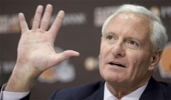 Cleveland Browns Owner Jimmy Haslam announced Tuesday that CEO Joe Banner will step down and General Manager Michael Lombardi will also be leaving the organization at a news conference.