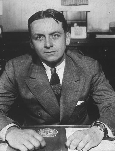 Eliot Ness investigated Chicago mobster Al Capone as an FBI agent in the 1930s.