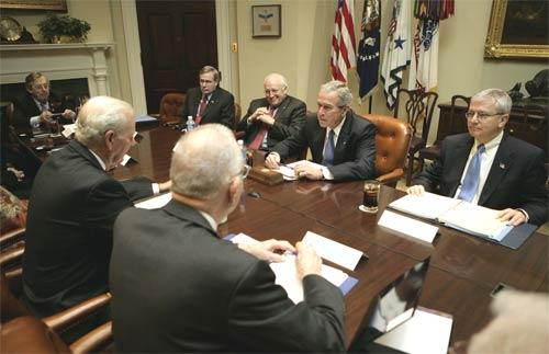 <b>Iraq study session: </b>President Bush is joined by, from left, national security advisor Stephen Hadley, Vice President Dick Cheney and Chief of Staff Josh Bolten in a meeting with the Iraq Study Group at the White House. The group's leaders, James A. Baker III and Lee H. Hamilton, face the president.