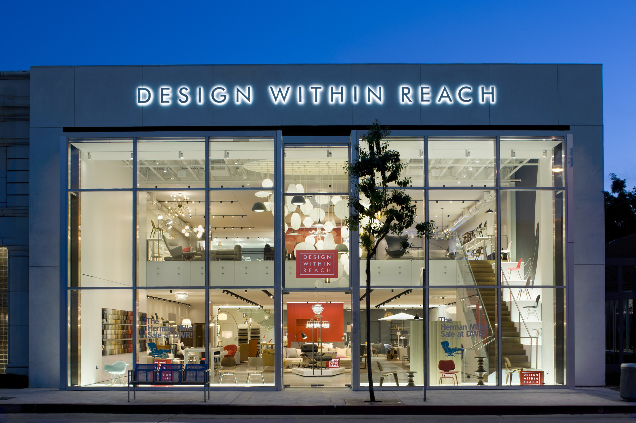 new design within reach on melrose offers more than just classics la times. Black Bedroom Furniture Sets. Home Design Ideas