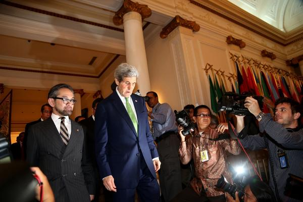 John Kerry, Marty Natalegawa
