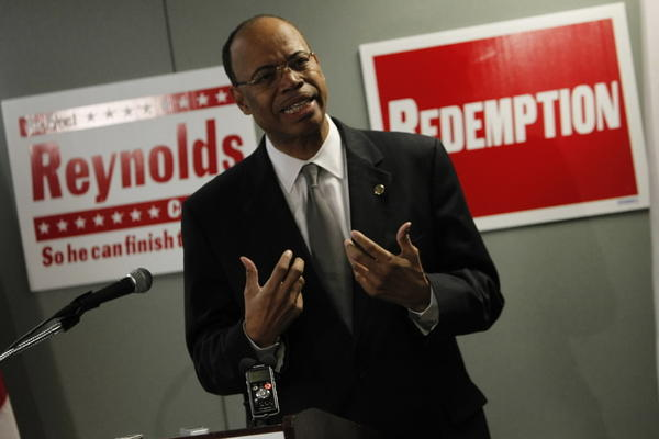 Former Rep. Mel Reynolds tries to reclaim old job in Congress