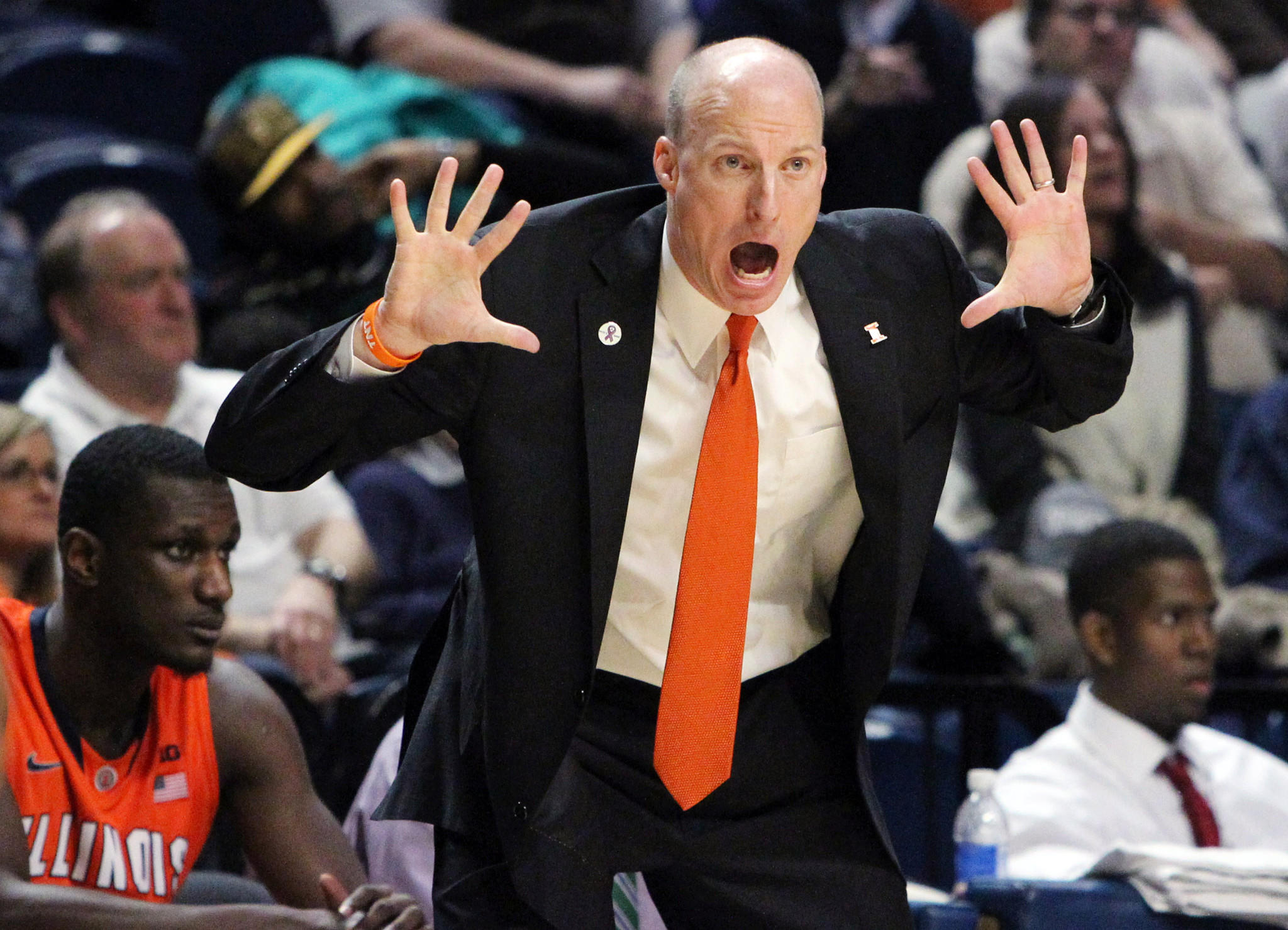 Illini coach John Groce reacts from the bench during the first half against Penn State.