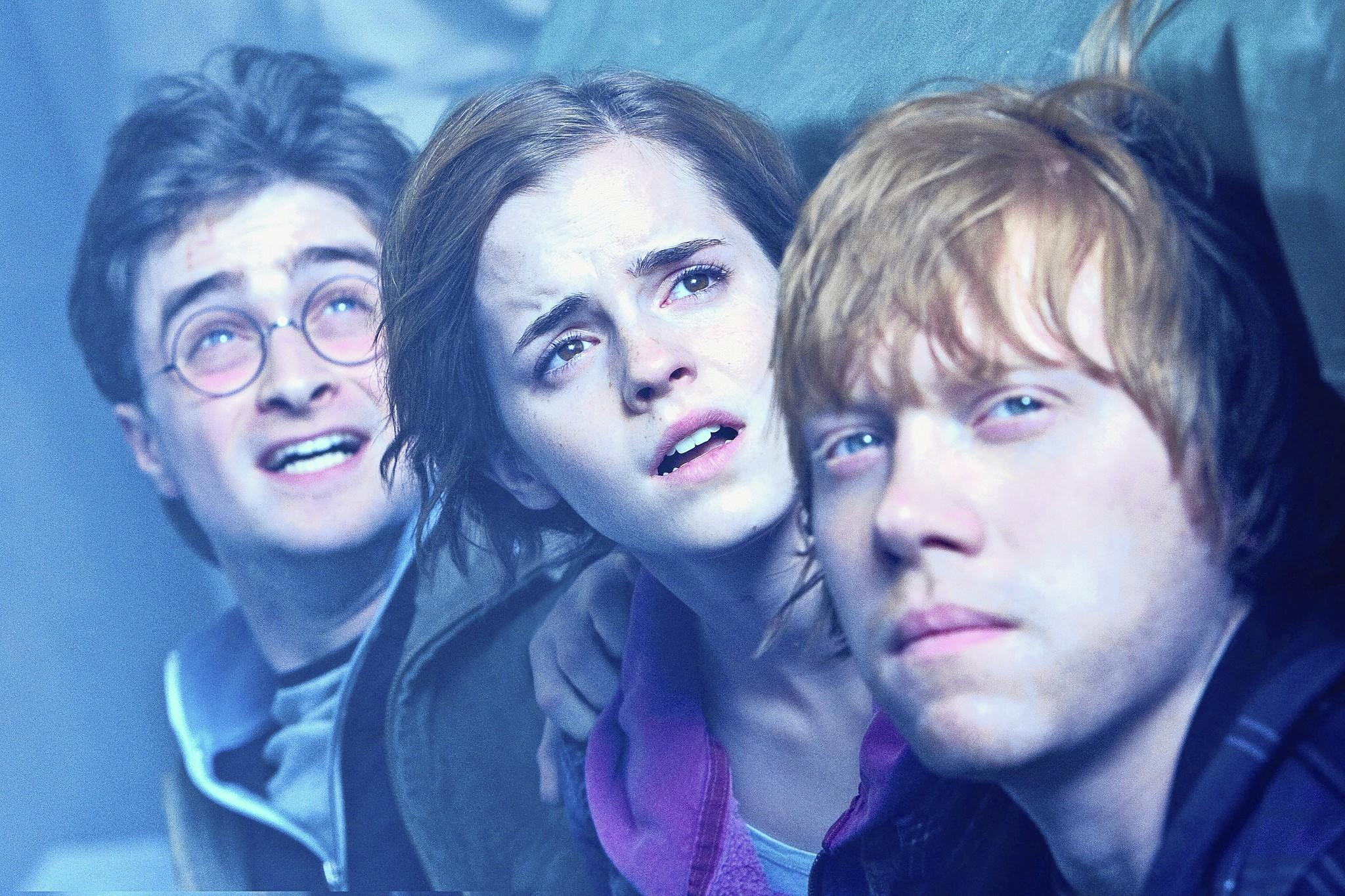 The Biblioracle would like to see J.K. Rowling rewrite her Harry Potter books with characters Hermione Granger and Harry Potter as a couple instead of Hermione and Ron Weasley.