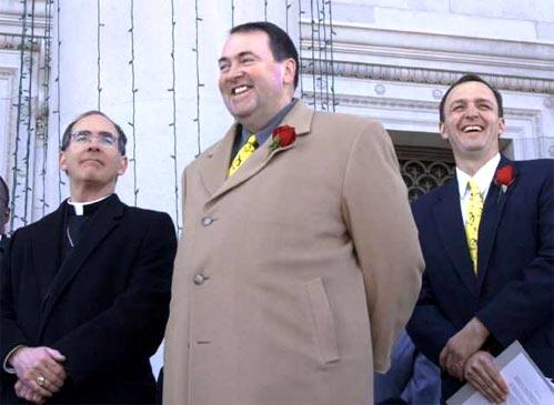 <b>'MARCH FOR LIFE': </b>Huckabee, shown with Bishop J. Peter Sartrain at an abortion protest in 2003, was diagnosed with diabetes that year. He shed 110 pounds and wrote a diet and exercise book.