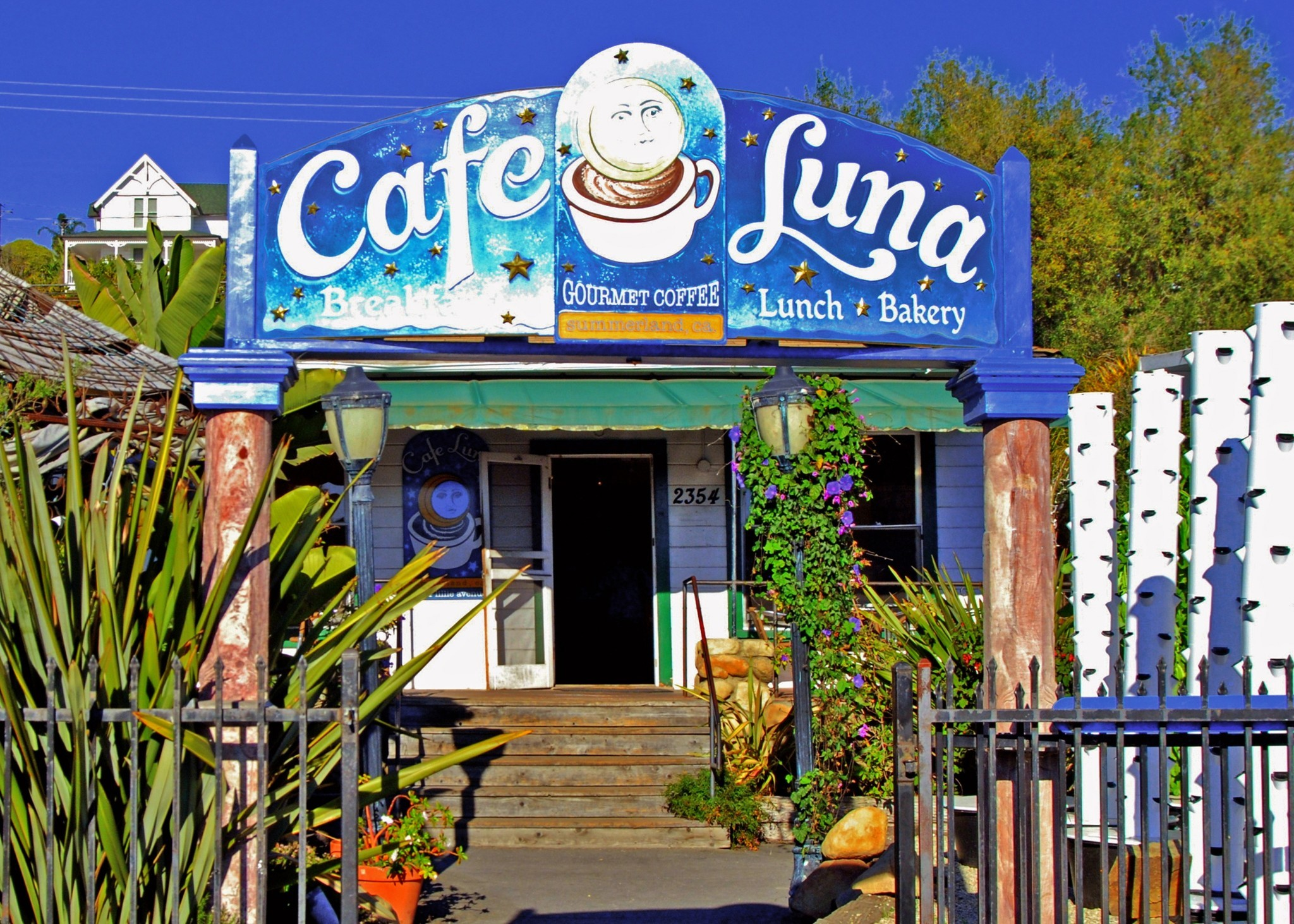 A getaway to sunny Summerland - Cafe Luna