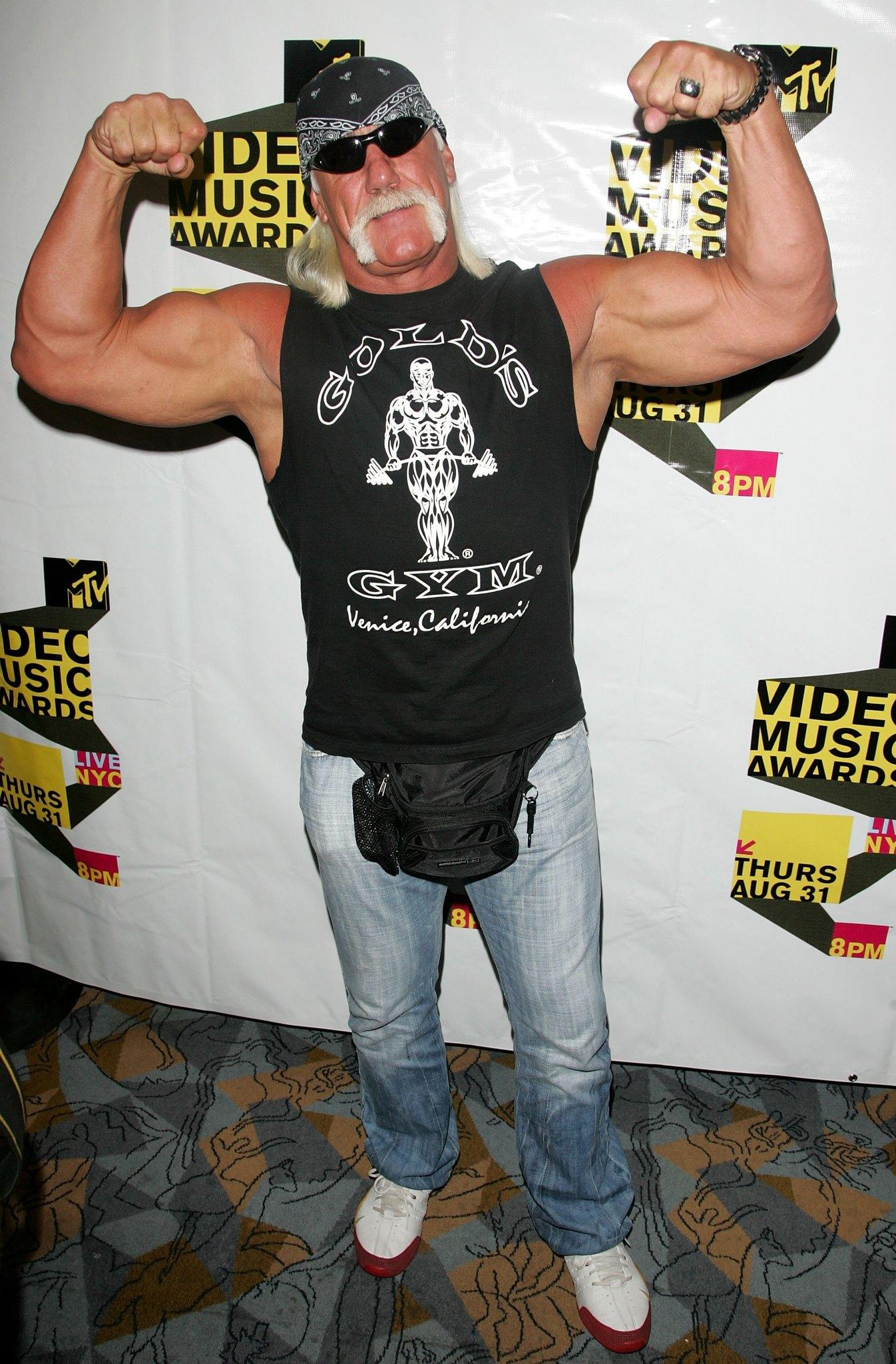 Wrestler Hulk Hogan arrives at the MTV 2006 Video Music Awards Forum at Radio City Music Hall in the Grand Lounge on August 30, 2006 in New York City.