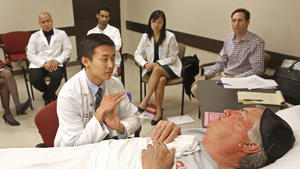 Actors draw med school students into caregiver role