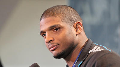 Source: Ravens met with draft prospect Michael Sam