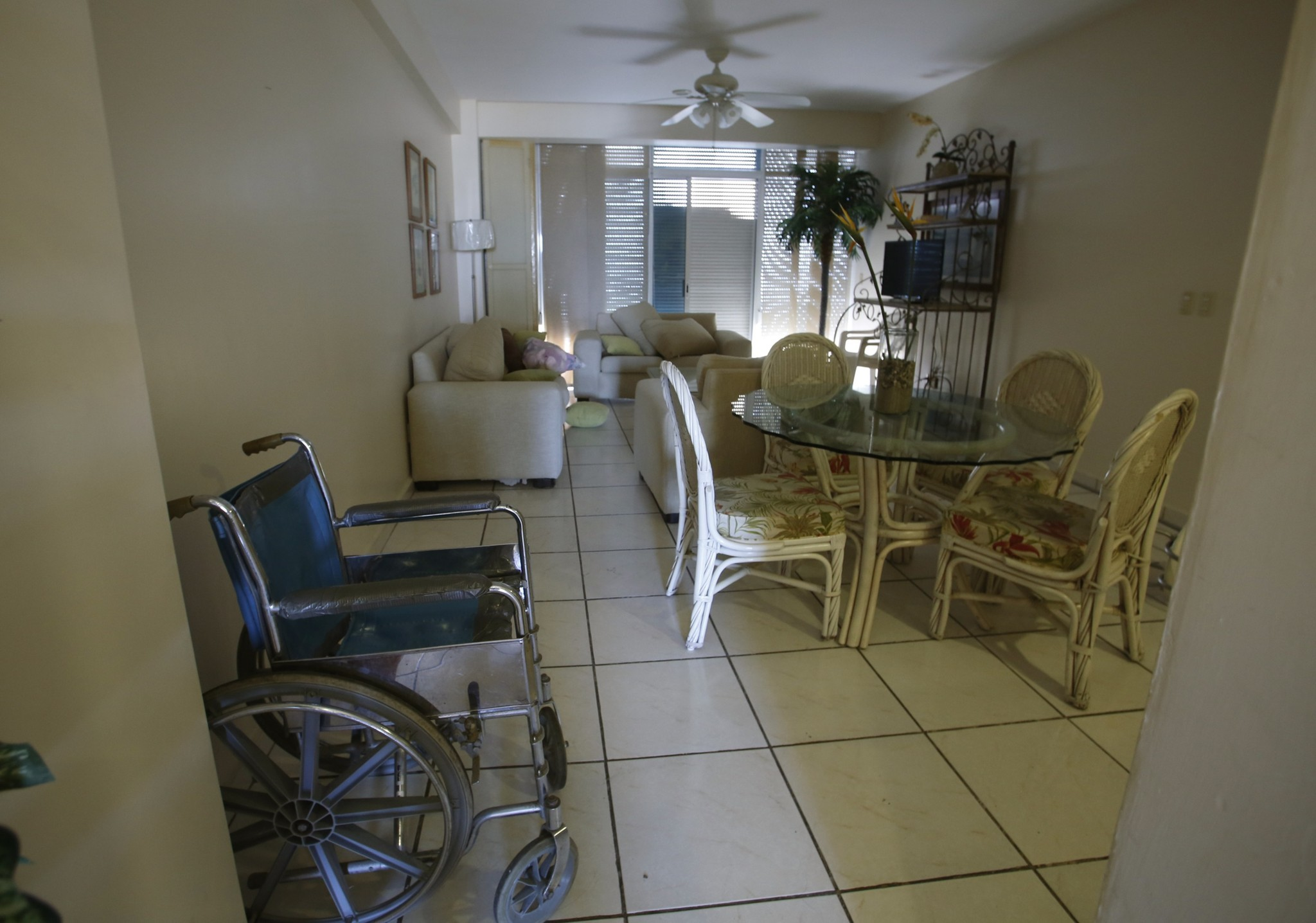 "Inside the condo where Joaquin ""El Chapo\"" Guzman was captured - The living room"