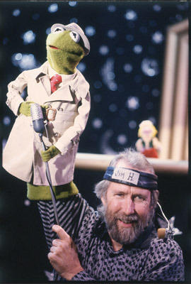 Henson performing Kermit the Frog in the early 1980s.