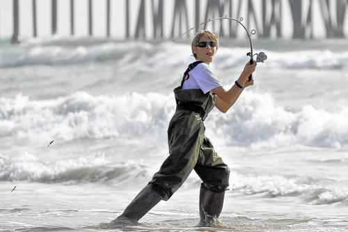 Photo gallery fishing derby hb independent for Huntington beach pier fishing