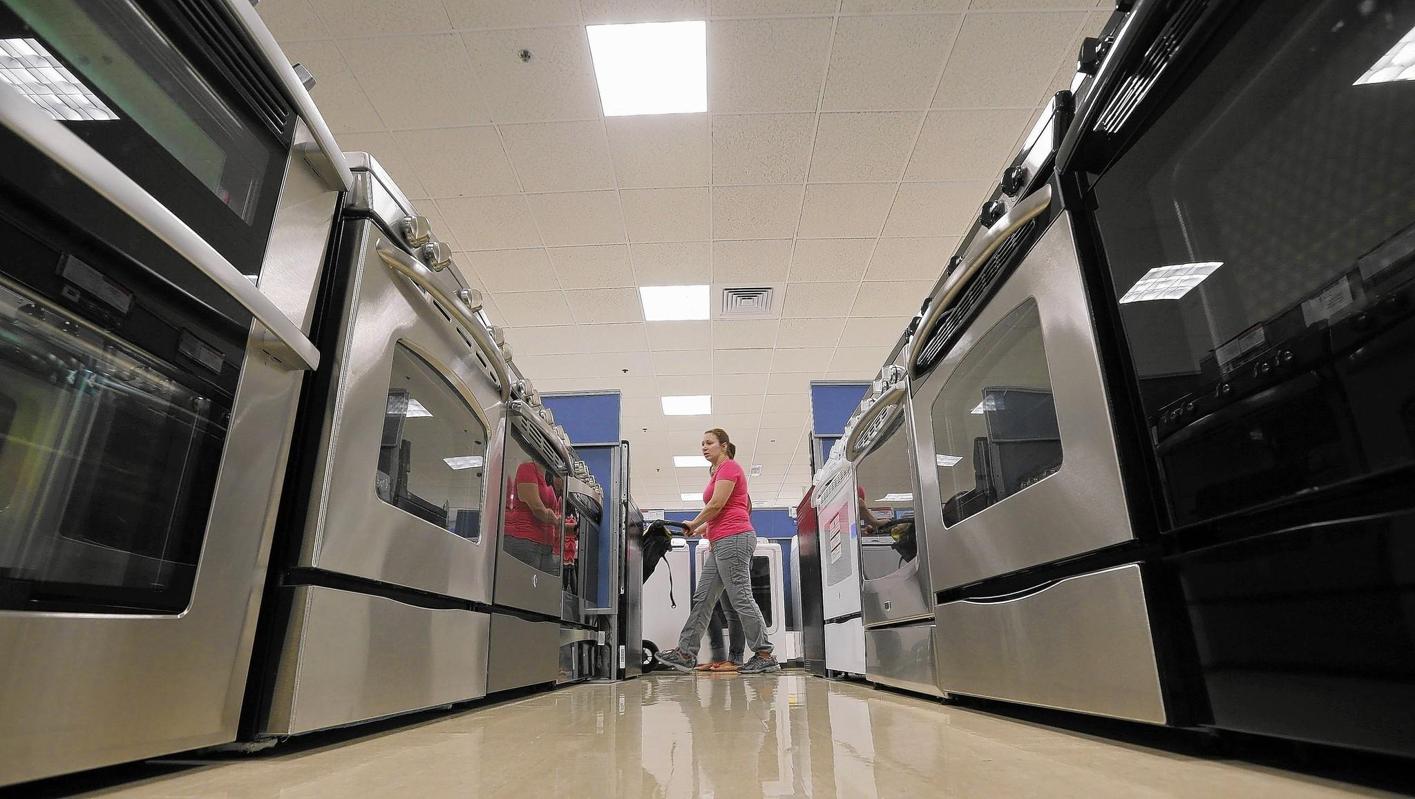 Sears Holdings on Thursday reported that it lost $1.37 billion last year as sales kept falling and the company closed stores.