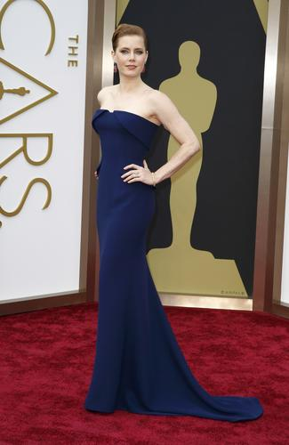 Amy Adams turned up in a tuxedo-inspired Gucci Couture dress in sapphire blue.