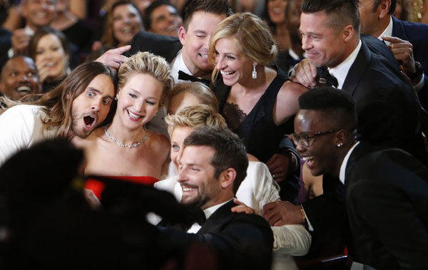 Ellen DeGeneres shoots for a retweet record with an Oscar group selfie and easily smashes the current record.