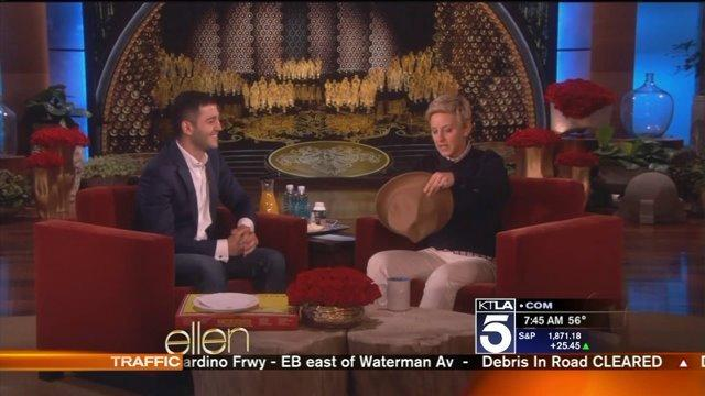 Ellen DeGeneres Gives $1000 Tip to Oscar Pizza Delivery Man