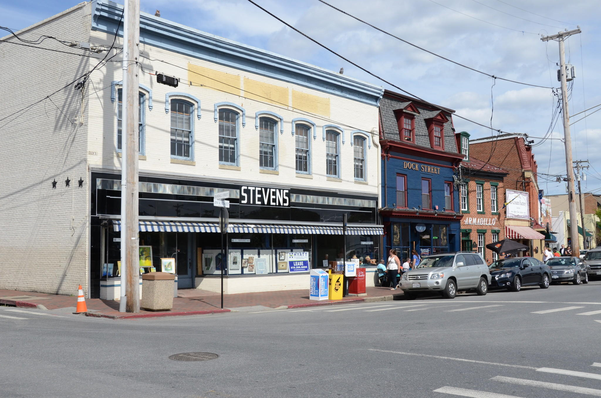 City officials say the vacant Stevens Hardware building in Annapolis is being eyed by Royal Farms, but may face a challenge because of zoning that bars convenience stores. The company contends a new location there would qualify as a deli.