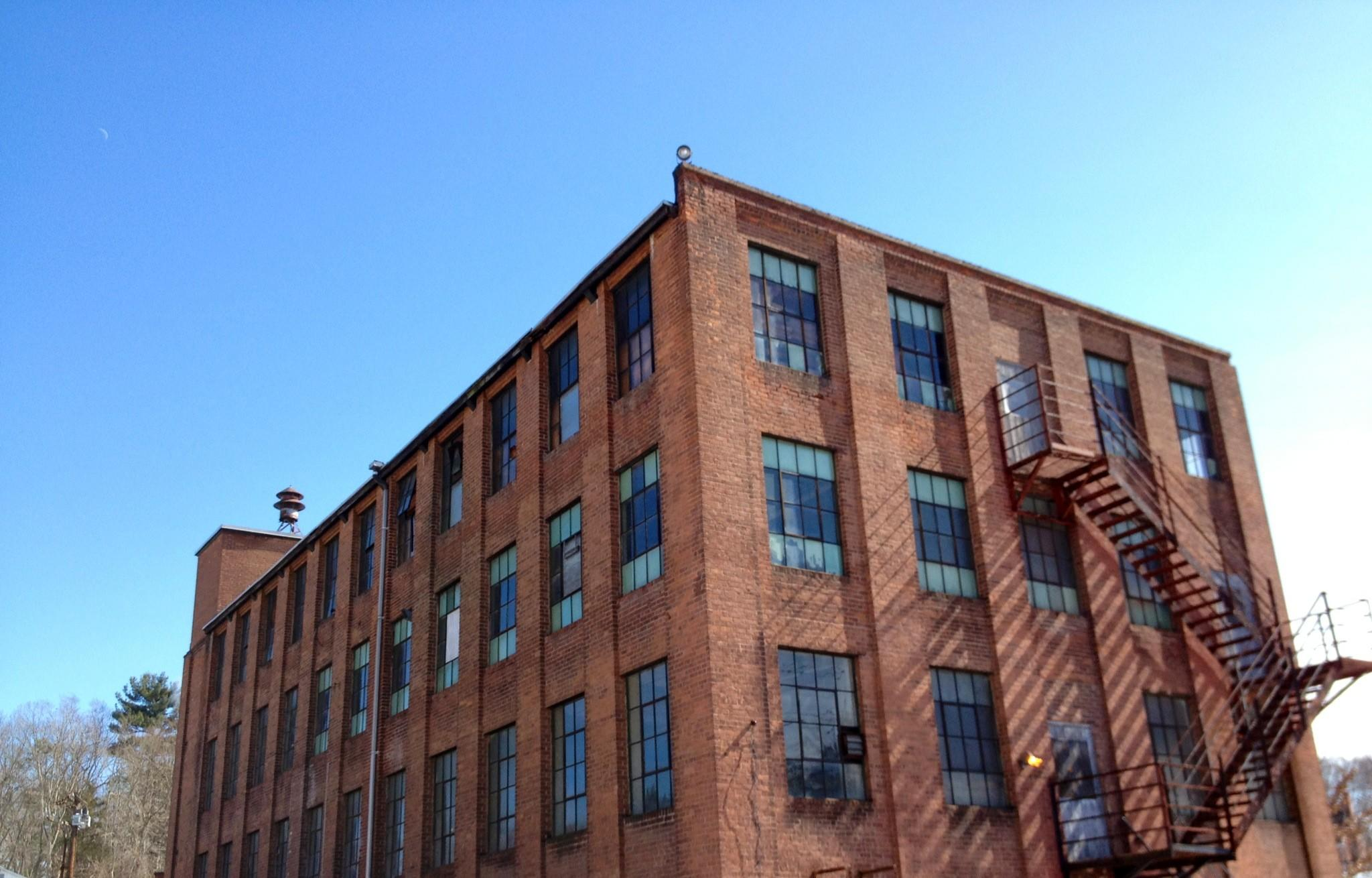 The old tannery building still exist along New London Turnpike.