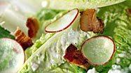 Recipe: Romaine salad with blue cheese, bacon and radishes