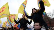Russians rally by the thousands in support of annexing Crimea