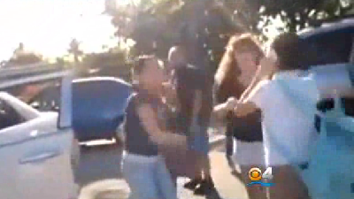 Alleged bullying the reason behind mom fighting 12-year-old girl